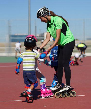 Escuela niñ@s iniciación patinaje en línea